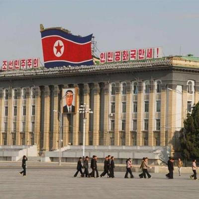 朝鲜平壤街头看不到垃圾箱,却很干净